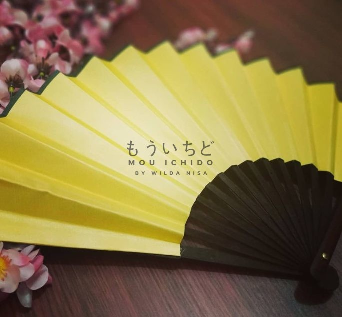 japanese holding fan for rent in bali